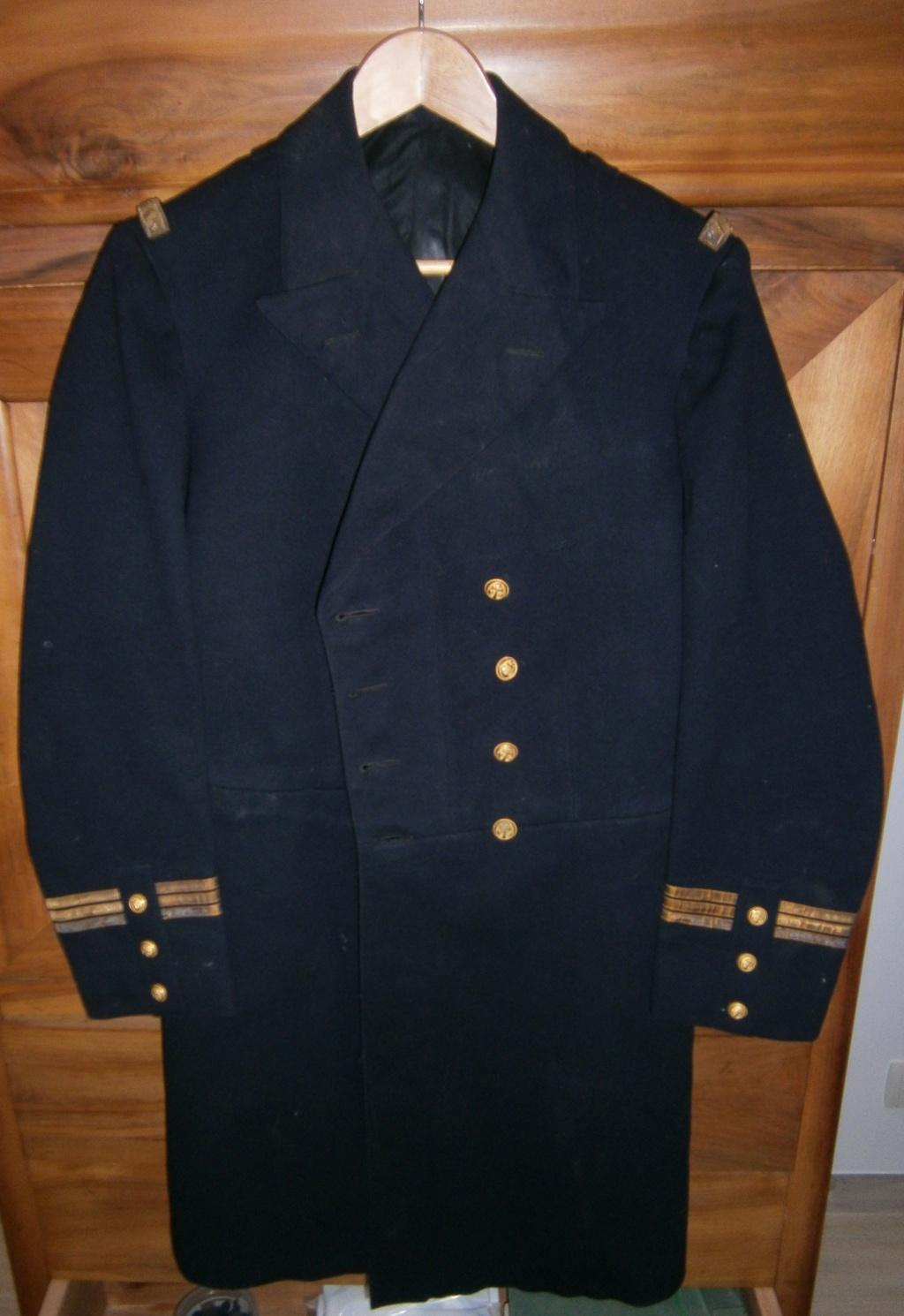demande de renseignements concernant une rentrée d'uniforme de la marine Pc110017