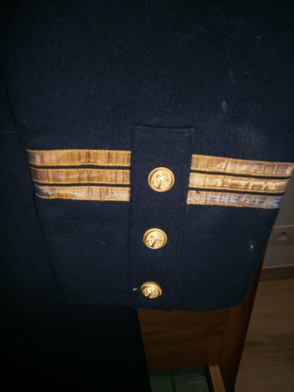 demande de renseignements concernant une rentrée d'uniforme de la marine Pc110020