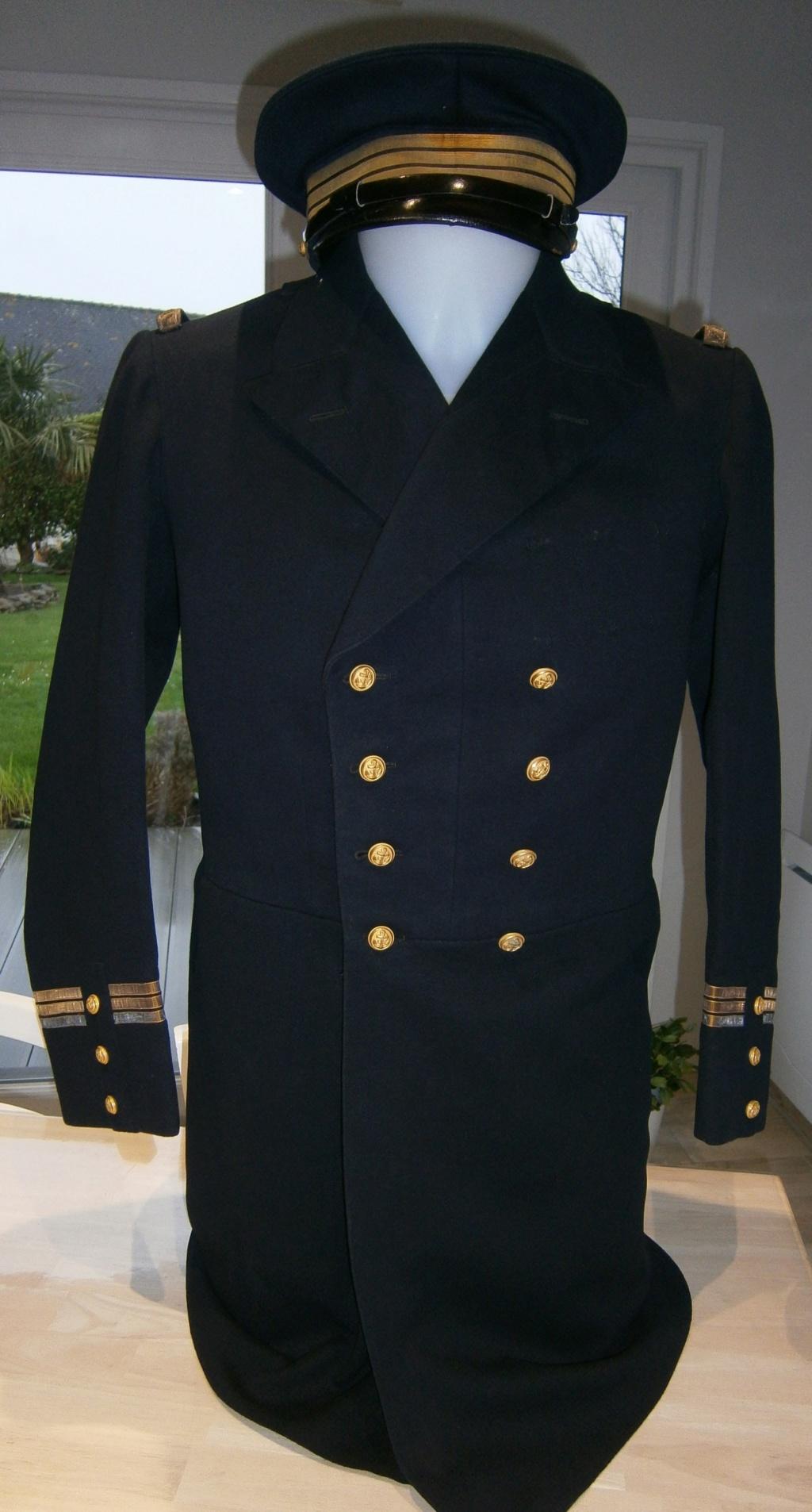 demande de renseignements concernant une rentrée d'uniforme de la marine Pc120010
