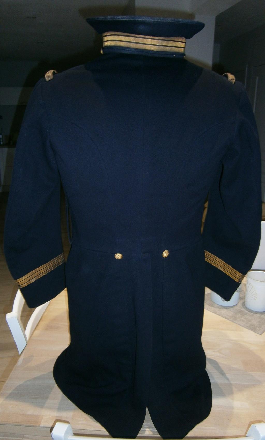 demande de renseignements concernant une rentrée d'uniforme de la marine Pc120011
