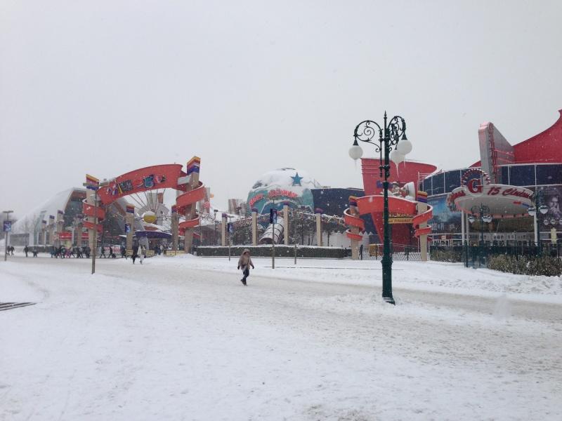 Disney et le mauvais temps (orage, pluie, neige, grêle...) - Page 22 Photo_36
