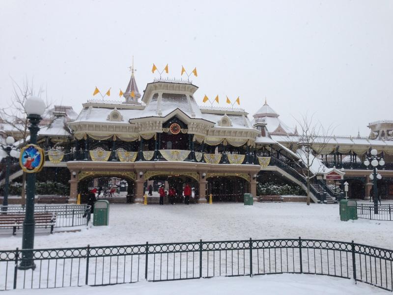 Disney et le mauvais temps (orage, pluie, neige, grêle...) - Page 22 Photo_37