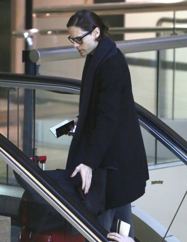 Jared Leto departing on a flight at LAX airport [candids] 2012 Adalla10