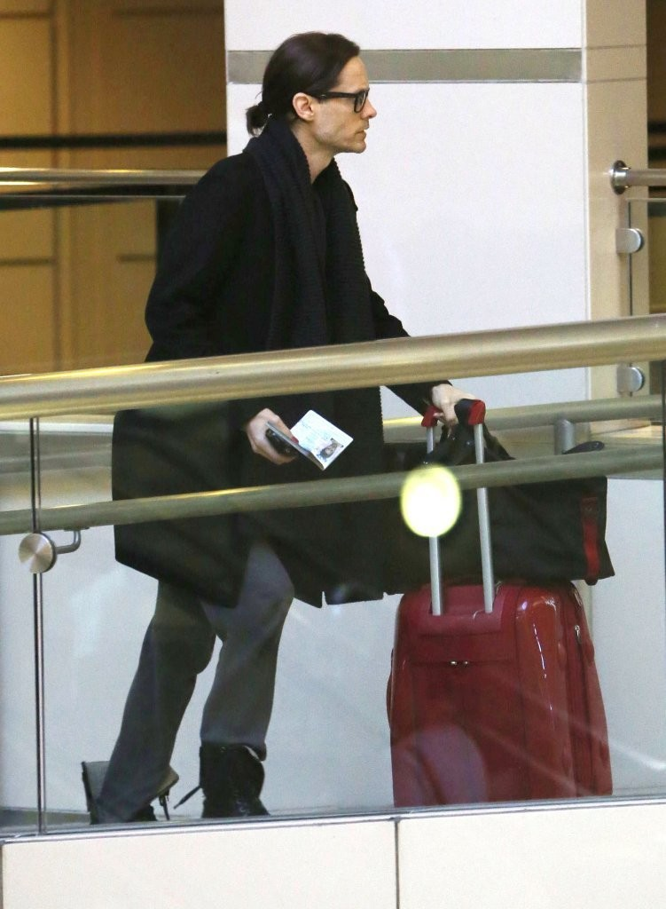 Jared Leto departing on a flight at LAX airport [candids] 2012 Adalla11