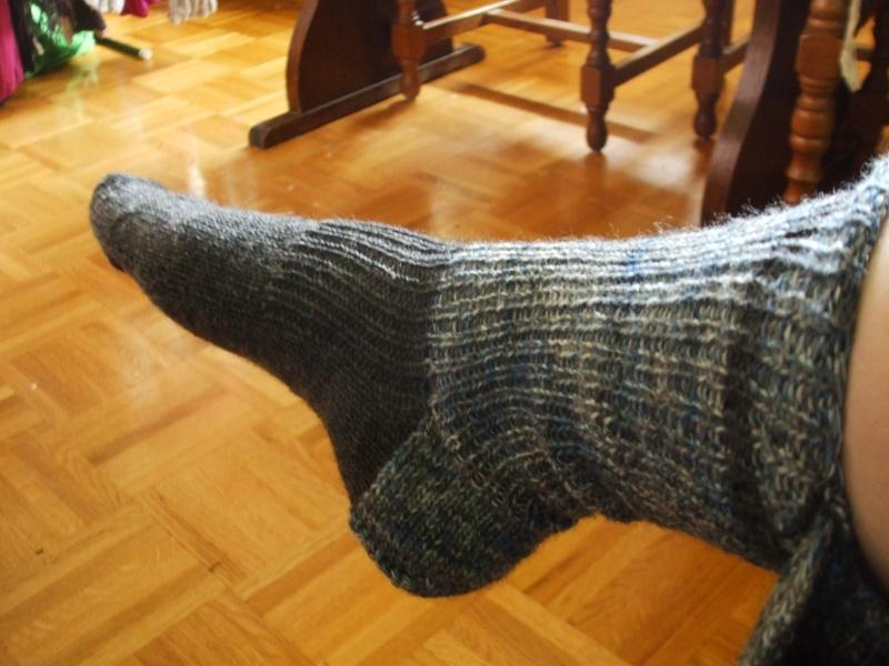 Chaussettes bien chaudes, tricotées main et autres 011b10