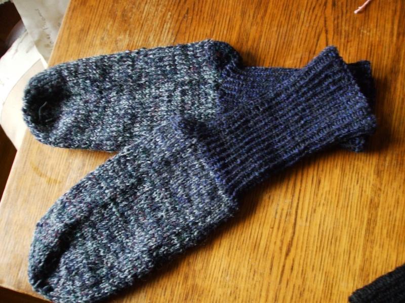Chaussettes bien chaudes, tricotées main et autres 01210