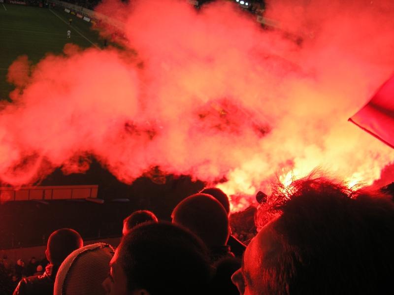 Photos Pyrotechnie (Torches, Pots à Fumée...) - Page 9 Photo_14