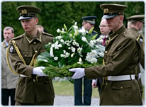 Government lays a wreath at the momument T_nism10