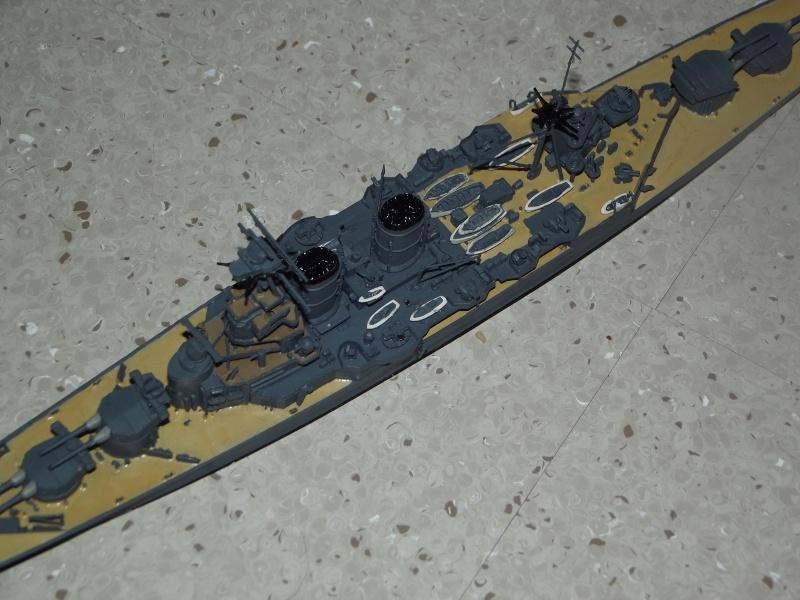 HMS Hood au 1/700 de trumpeter Dscf3611