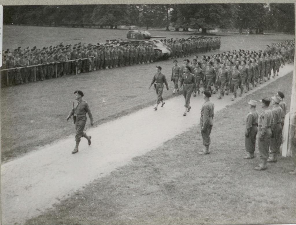 Insigne 2e DB : 1944 - Page 2 Image_13