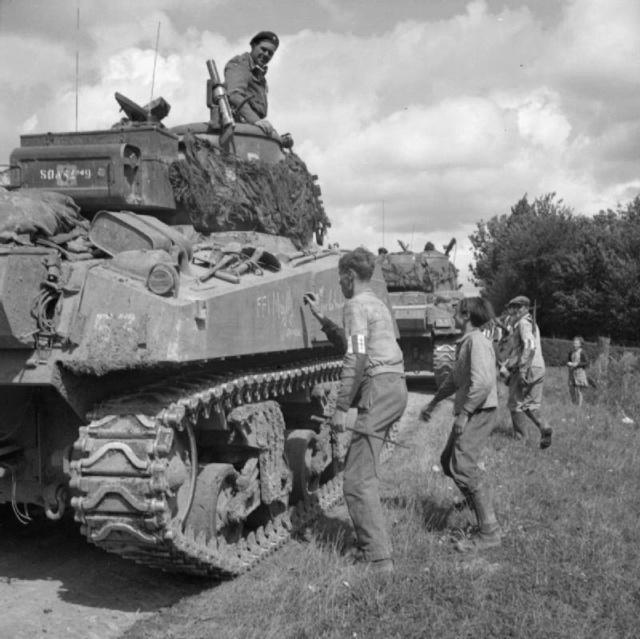 M4A2 Tailly et ambiance Paris 44 sur ibé Sherma10
