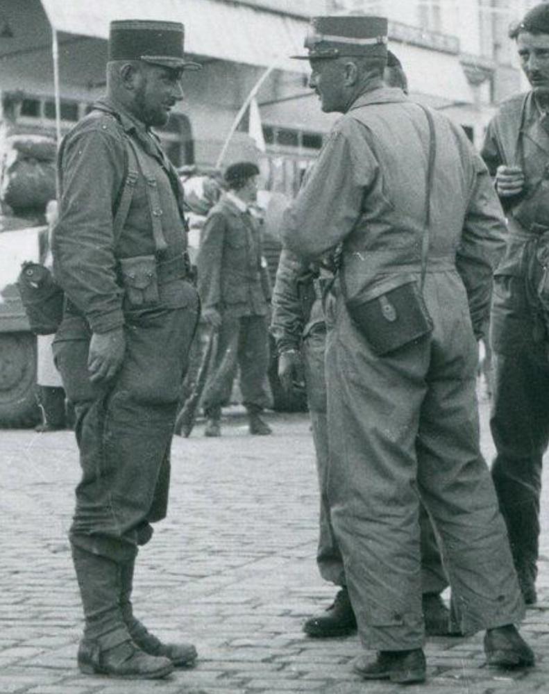 Tenue de tankiste du Général Leclerc  Snip_217