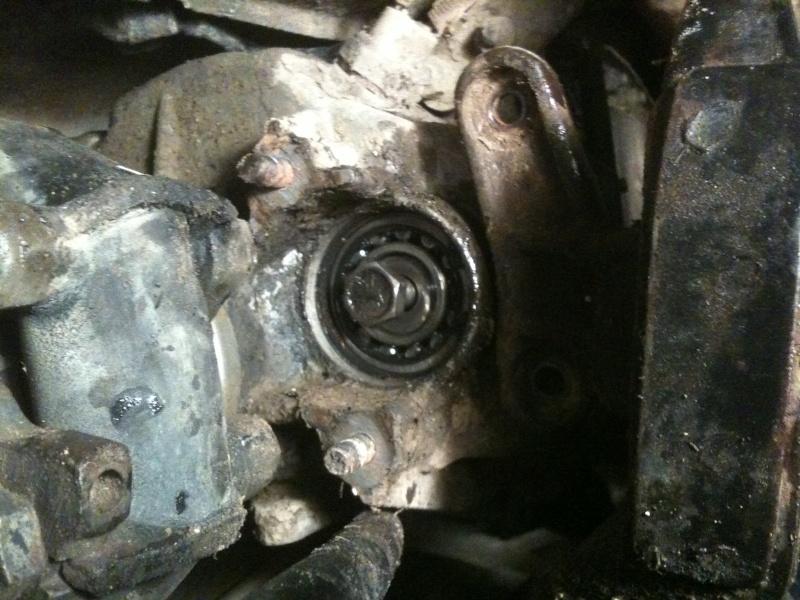 Fuite d\'huile au niveau de la boite de vitesse Img_0010
