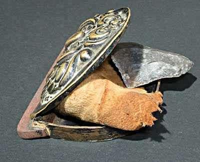 Medoulari - Pendentif récipient en bronze pour la graisse à armes - Balkans Cece0f10
