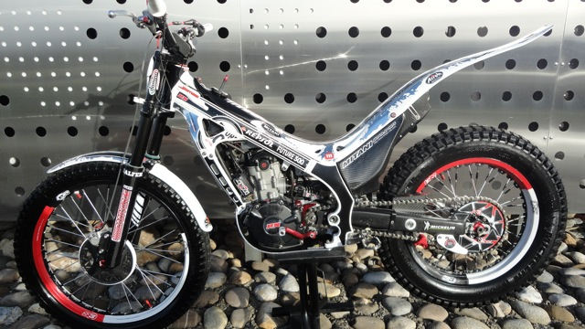 Superbe 4RT 300cc à vendre Dsc06012