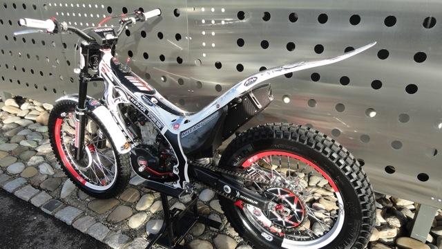 Superbe 4RT 300cc à vendre Dsc06014