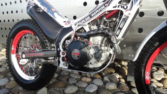 Superbe 4RT 300cc à vendre Dsc06017