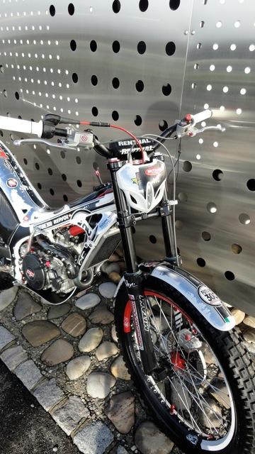 Superbe 4RT 300cc à vendre Dsc06019