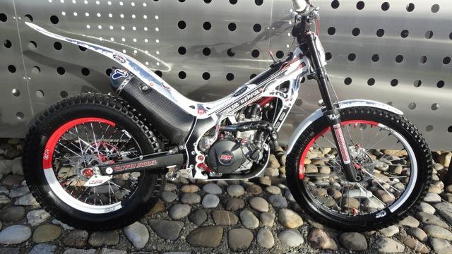 Superbe 4RT 300cc à vendre Dsc06021