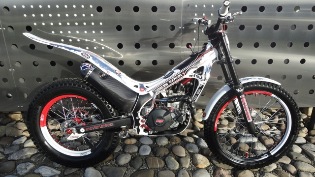 Superbe 4RT 300cc à vendre Dsc06026