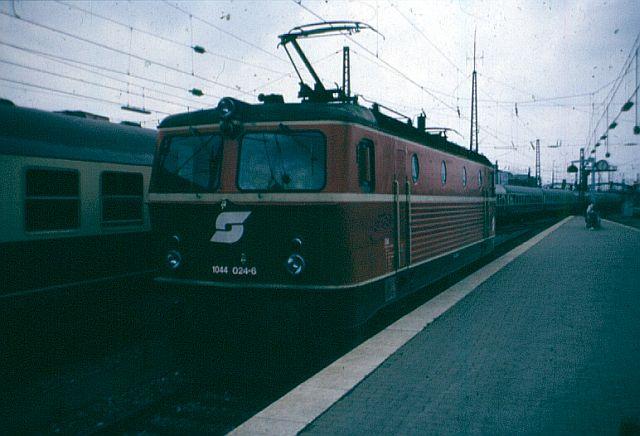 Die Baureihe 1044 der ÖBB - der Staubsauger 1044_010