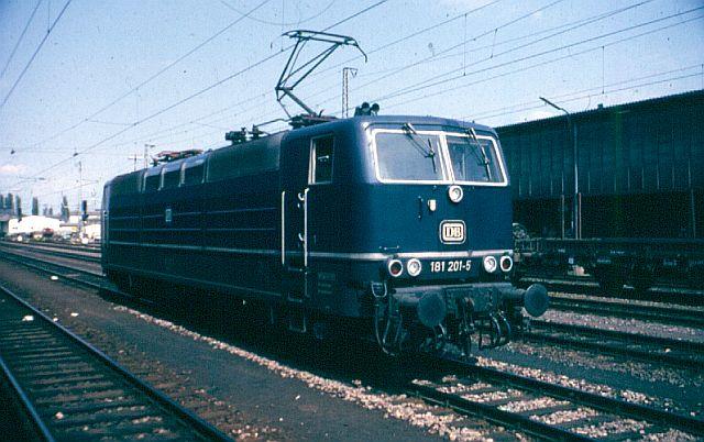 Die Baureihe 181 - die ZWEI - Systemlok 181_2010