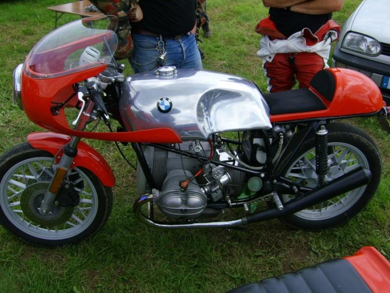 C'est ici qu'on met les bien molles....BMW Café Racer - Page 3 Mini10