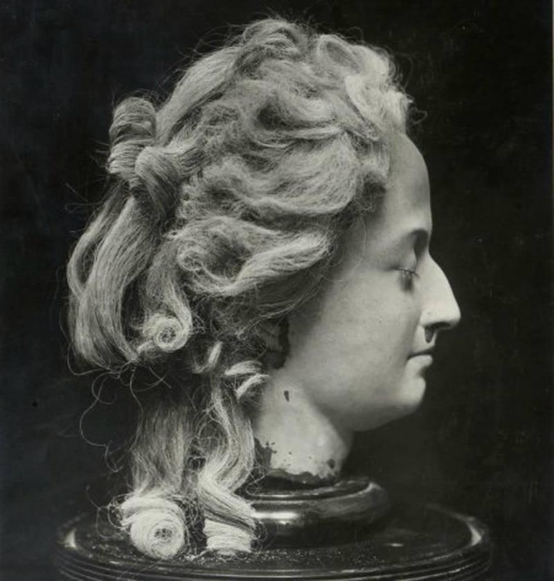 Marie Antoinette vivante ! Image photoréaliste 13428410