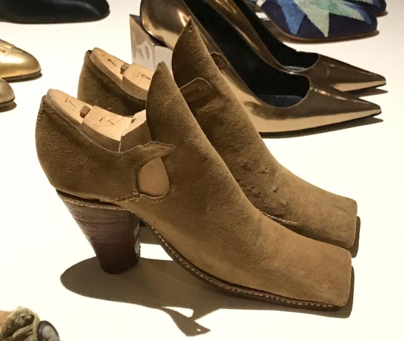 MAD : Expo Marche et démarche, une histoire de la chaussure D4acdf10