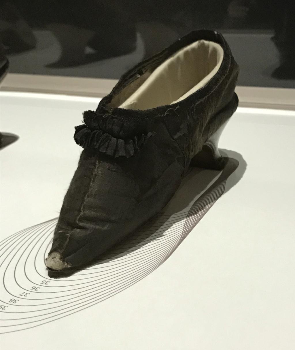 MAD : Expo Marche et démarche, une histoire de la chaussure D8173c10