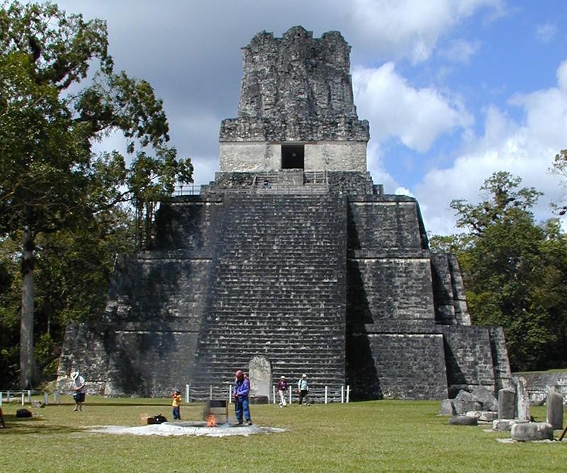 Le temple Tikal II - Guatemala, victime du 21 décembre 2012 14421610