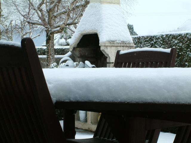 Mes taches de bonheur sous la neige !! Dscf0023