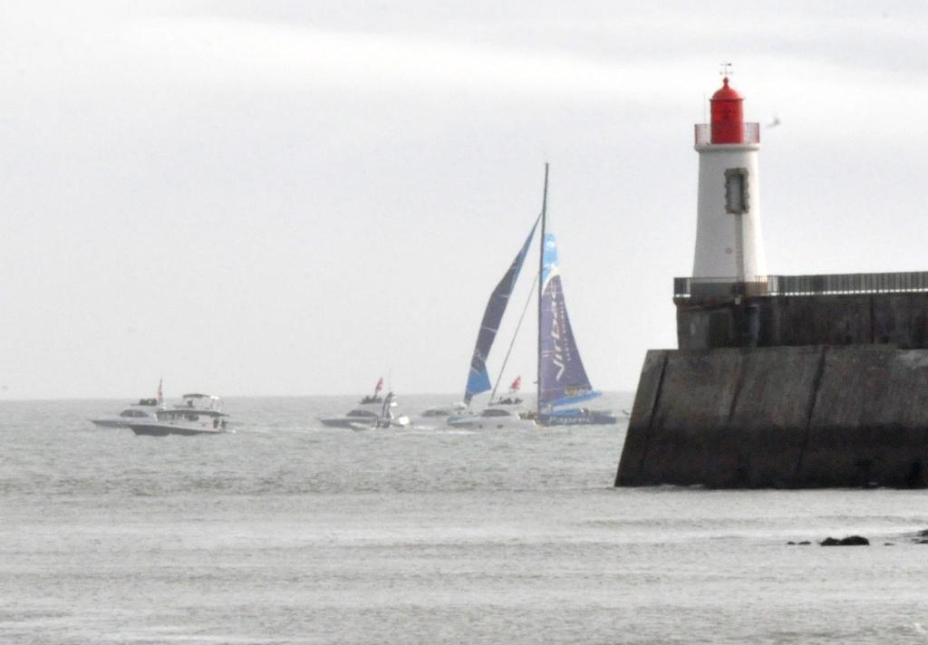 Vendée Globe 12-13 : l'arrivée de J.P. Dick, 2600 miles sans quille ! Virb111