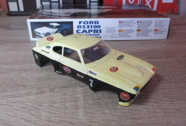 Les voitures jamais tout à fait terminées de chez Loulou..... - Page 6 Ford_c17