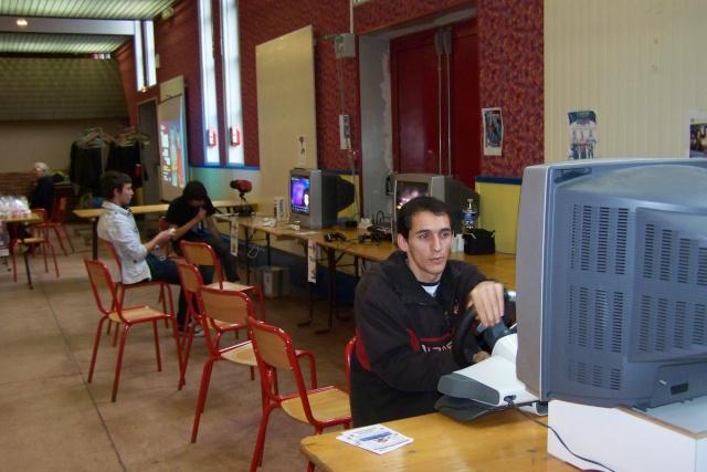 Le club Jeux Vidéo de PINON au Téléthon le 4 & 5 décembre 2009 110