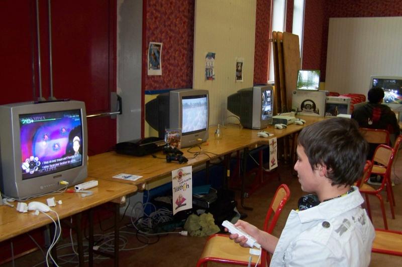 Le club Jeux Vidéo de PINON au Téléthon le 4 & 5 décembre 2009 510