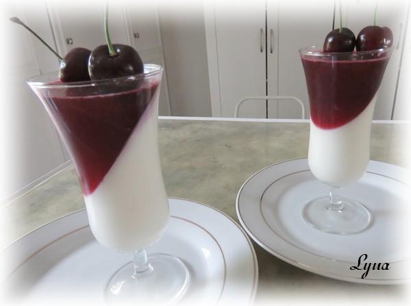 Panna cotta à la gelée de fraises Cerise10