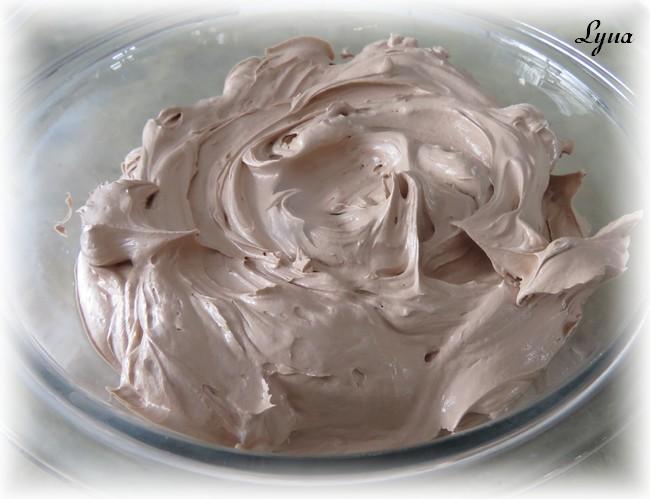 Crème au beurre meringue Suisse au chocolat Glazag10