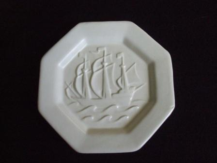 Shape 473 Octagonal Ship Ashtray from Kat & Co 47310