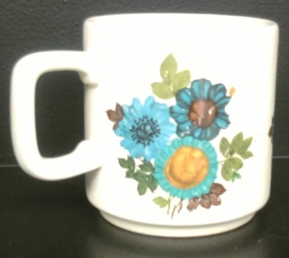 Cornflower D821 -Kelston retro 3 blue flowers on Apollo Cornfl11