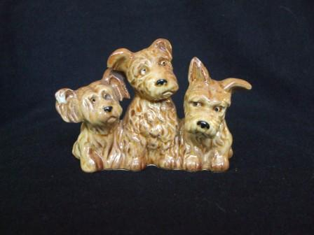 Kat & Co asks if this dog trio is Crown Lynn ..... Dogs_t10