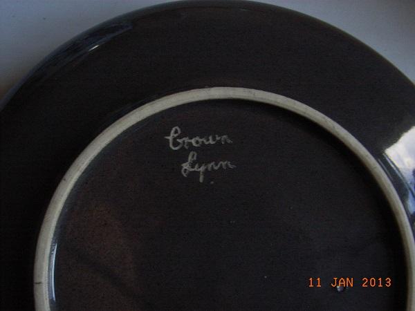 Unusual Crown Lynn Bowl Kitsch12