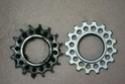 Liste d'outils et pièces pour un grand groupe de cyclistes Pignon10