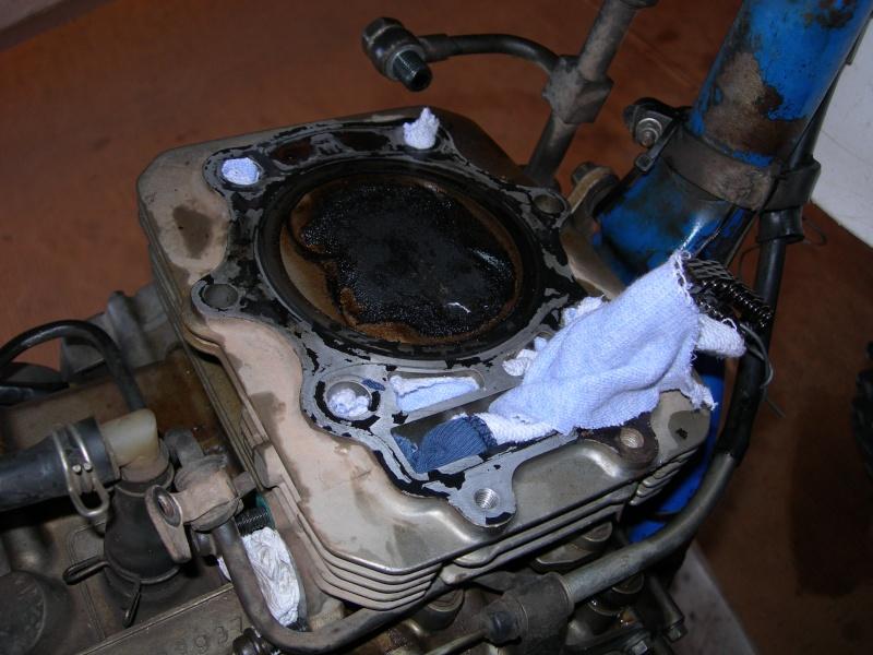 Revisione gommini guidavalvole e smerigliatura sedi Dscn7010