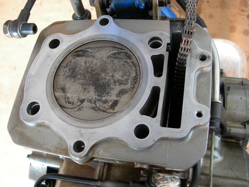 Revisione gommini guidavalvole e smerigliatura sedi Dscn7011