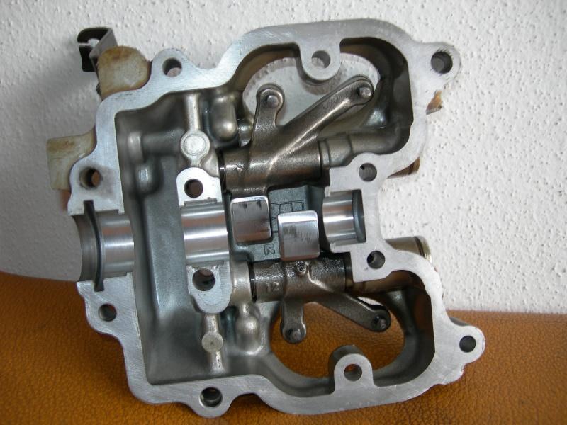 Revisione gommini guidavalvole e smerigliatura sedi Dscn7110
