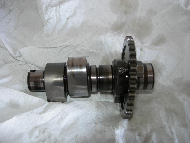 Revisione gommini guidavalvole e smerigliatura sedi Dscn7111
