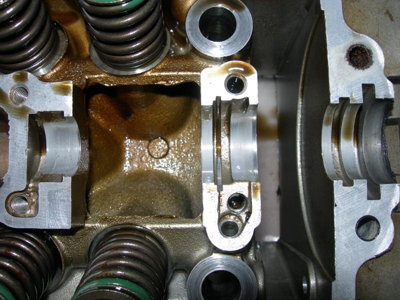 Revisione gommini guidavalvole e smerigliatura sedi Dscn7113