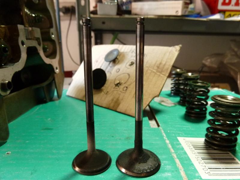 Revisione gommini guidavalvole e smerigliatura sedi P1030911