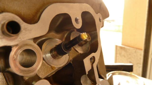 Revisione gommini guidavalvole e smerigliatura sedi - Pagina 2 P1040016